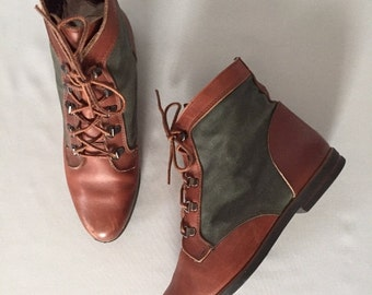 30% OFF WINTER SALE... forest green and chestnut leather boots | lace up ankle boots | 9