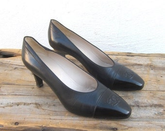 15% OFF Out Of Town SALE 80s Vintage Chanel Double CC Leather and Patient Black Pumps Size 37