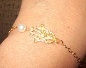 Hamsa bracelet, sideways Hamsa bracelet, everyday jewelry, Gift for Her, Hamsa Charm
