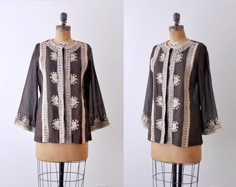 70's boho blouse. 1970s brown tunic blouse. tan embroidered. tribal. m.