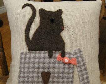 Wool Applique Pillow....Furry Mouse in Box