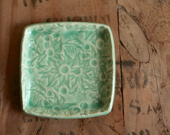 Small square Flannel Flower plate in teal