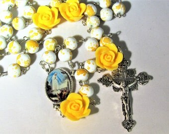 Yellow and White with Yellow Flowers Rosary