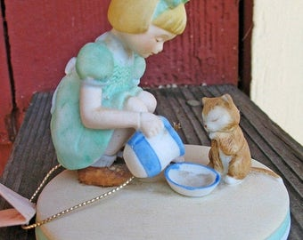 Mint Condition Kit n Kat Collectible Kind Deeds Figurine Circa 1980 with Original Tag Kitty Love