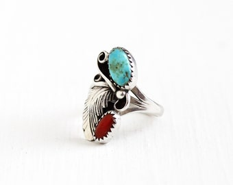 Vintage Sterling Silver Turquoise & Coral Ring - Size 7 3/4 Retro 1970s Native American Tribal Southwestern Feather Blue Red Gem Jewelry