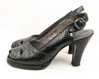vintage 1940s platform shoes • navy blue SNAKESKIN slingbacks sz 6.5