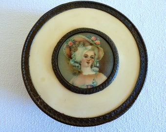 Vintage P.N.C.W. Footed Trinket Jewelry Vanity Box with Divided Glass Insert - Victorian Woman - Collectible