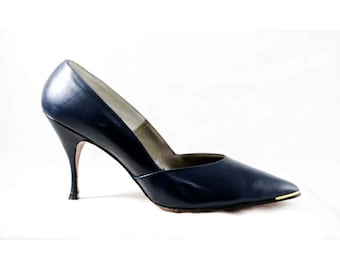 Size 8.5 Shoes - Navy Leather 1960s High Heels - 50s 60s Stilettos - Sophisticated 4 Inch Heels - Deadstock In Box - Size 8 1/2 B - 48164