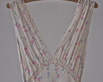 Vintage 30's/40's Nightgown Pale Pink Tiny Floral Pattern Tie Back Bias Cut size 34