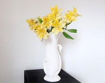 VINTAGE Mid Century Vase White Swan Porcelain Maddux of California