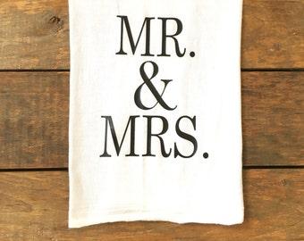 Mr. & Mrs. tea towel, wedding gift, gift for newlyweds, engagement gift, wedding favor, custom tea towel, flour sack tea towel,kitchen decor