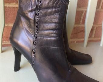Black ankle boots, booties, sz 8, Proxy, Made in Spain, high heel, side zip, dress bootie