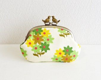 Retro floral frame coin purse with birds - green floral