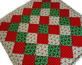 Christmas Quilted Table Topper, Quilted Table Runner Classic Christmas, Holiday Runner, Quilted Candle Mat, Christmas Table Runner Holly