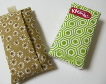 Tissue Case/White Flower On Beige
