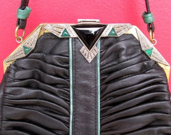 Art Deco Purse in Pleated Black Leather and Marcasite, Onyx, and Green Agate Stones set in Frame VINTAGE Excellent Condition