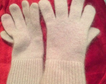 """70% angora gloves small lavender, 7 1/4"""" long by about 3"""" wide"""