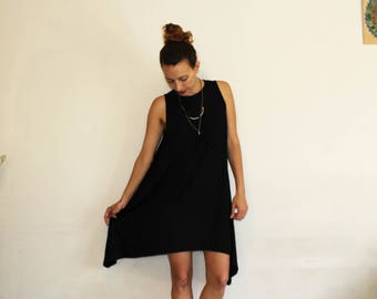 A casual Black dress // open sides dress