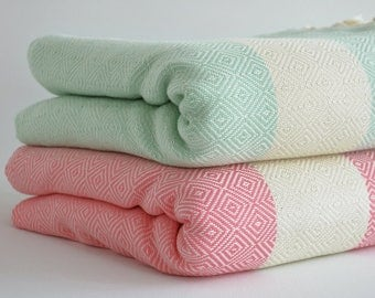 NEW / SALE 30 OFF/ Diamond Blanket / Mint Green-Pink / Double Size / Bedcover, Beach blanket, Sofa throw, Traditional, Tablecloth