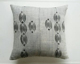 Grey and Black African Mudcloth Pillow Cover - Tribal Throw Pillows - Ethnic Textiles - Earthy Modern