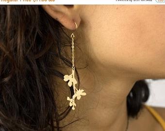 20% off. Flowery branch Earrings.  Cut out earrings. Japanese Earrings. Gold or Silver Earrings. Delicate Earrings.