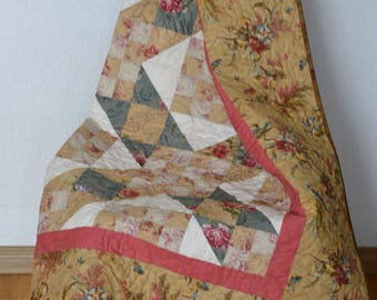 Country Patchwork Quilt, Lap Blanket, Sofa Throw, Floral Tan, Pink, Hygge cozy