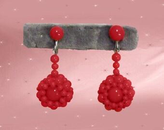 Red Glass Bead Earrings are 50s Red Dangles, Vintage Screwback Dangle Earrings, 50s Screwbacks, PIERCED OPTION