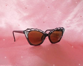 Black Cateye Sunglasses are True 50s Vintage Cat Style Sun Glasses with Rhinestones, Cat Eye Sunglasses, Black Sunnies with Glasses Case