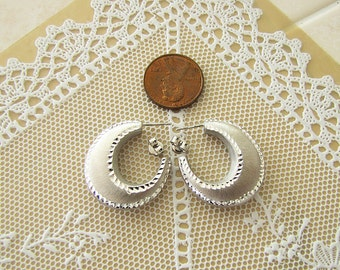Italian Sterling silver puffed huggies Earrings