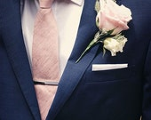 Necktie and pocket square