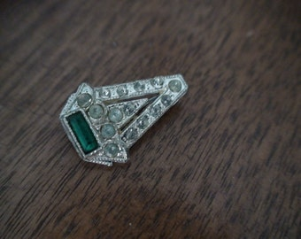 Antique Brooch, Pin, Lapel Pin C Clasp Closure, Emerald Green Stone and Paste Stones