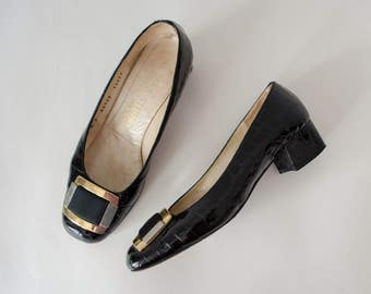 1960s vintage shoes / black patent leather skimmers / Mab Studio / size 7