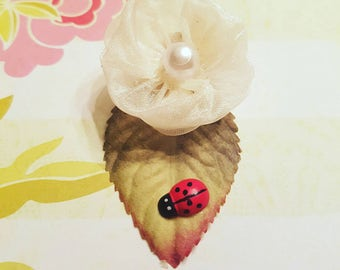 FREE SHIPPING Baby Bows, Baby Hair Clips, Clips For Baby,  Toddler Girl, Infant Hair Clips Rose Buds and Pearls Hair Clip with Lady Bugs
