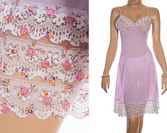Adorable 'Goldhelm' 1950's vintage silky soft sheer lilac Perlon and delicate unusual deep floral design lace full slip underskirt - 3910