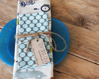 Placemat and Napkin Set for Kids  -   Blue Dots Napkin with Retro Cars Placemat