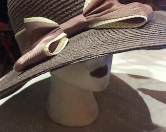 Vintage style wide brim straw sun hat