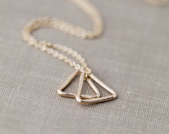 Minimalist Triangle Necklace Gold Filled, Simple Dainty Gold Necklace, Minimal Hammered Necklace, Everyday Necklace Jewelry Gift Idea