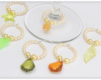 Wine glass charms, Light GREEN set, 6 charms. Wine glass rings for party