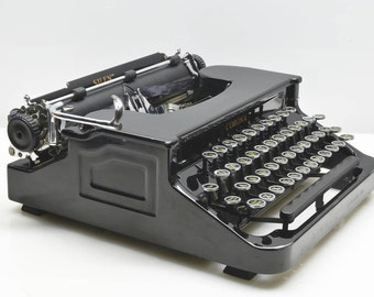 Vintage 1936 Corona Silent Typewriter, Black 'Baby Grand' Elegant Beauty, Art Deco Classic in Case