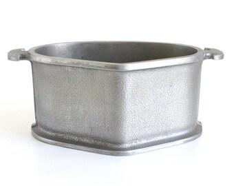 Guardian Service Cookware Trio Triangular Aluminum Pan