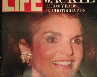 Life Magazine July 1989 Jakie Kennedy Onasis - Life In Outer Space