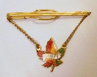 BANFF Alberta CANADA Tie Bar Clip Souvenir Enamel Maple Leaf / Men's / Gold Tone