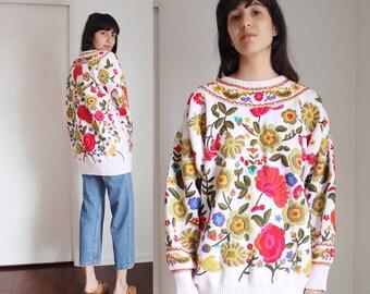 Vintage Emroidered Colorful Floral Sweater S-M-L