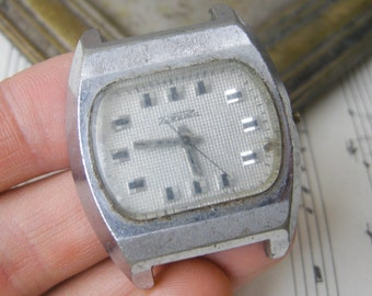 Vintage Soviet wrist watch for parts.Didn't work.