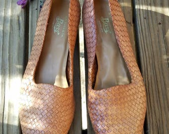 Lattice Bass Leather Flats//Size 8