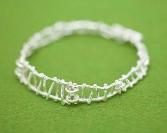 Unique bracelet - Linear design - Gift for her - Hypoallergenic - Free shipping - Japanese bracelet - Modern - Contemporary - Organic