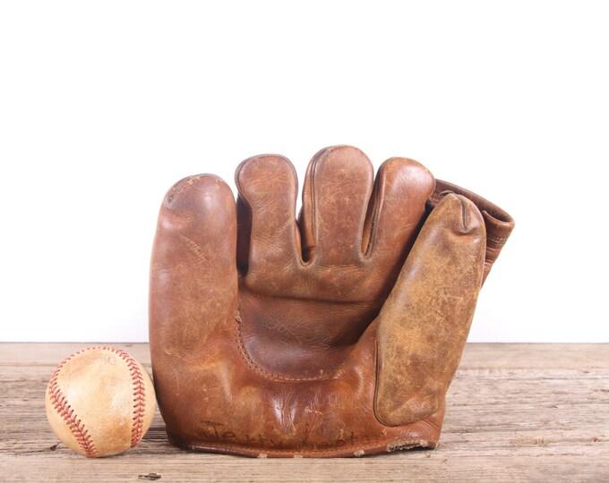 Old Vintage Leather Baseball Glove / Wilson Left Handed Baseball Glove / Antique Baseball Glove / Old Glove Antique Mitt / Baseball Decor