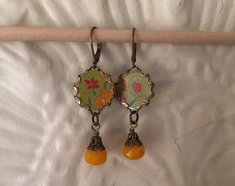 """Tin Jewelry Earrings """"Simple Flowers"""" Tin for the Ten Year Tenth Wedding Anniversary"""