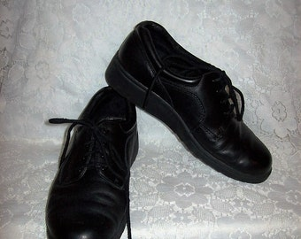 Vintage Ladies Black Leather Oxfords by Dr Scholl's Size 8 1/2 WIDE Only 10 USD