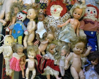 huge lot of 23 vintage 1960s 1970s DOLLS parts   FREE SHIPPING